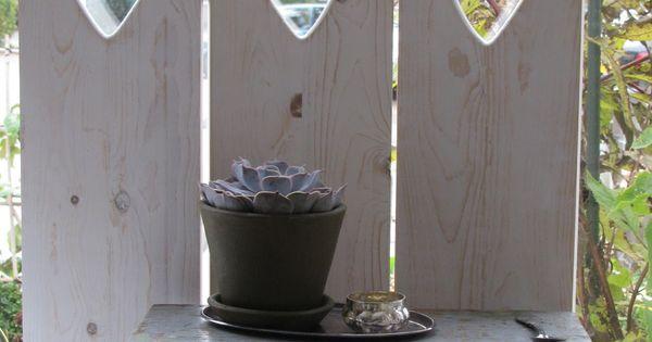 De soetelaer blog raam vensterbank schermen luiken for Houten decoratie voor raam