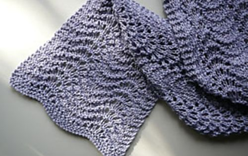 Ravelry: Feather and Fan Scarf pattern by Art Fiend, from Ravelry.com knitt...