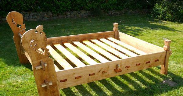 hjortwikinger bau eines osebergbettes viking furniture horn pinterest wikinger. Black Bedroom Furniture Sets. Home Design Ideas