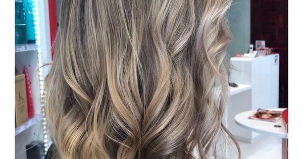 Envie D Un Balayage Blond Pour Donner Du Relief Balayage Blond Idees Cheveux Longs Cheveux