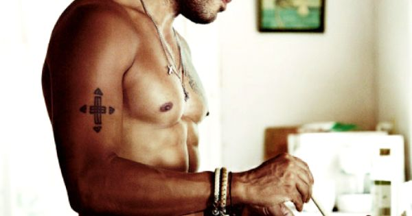 Got damn! Eye Candy: Lovely Lenny Kravitz