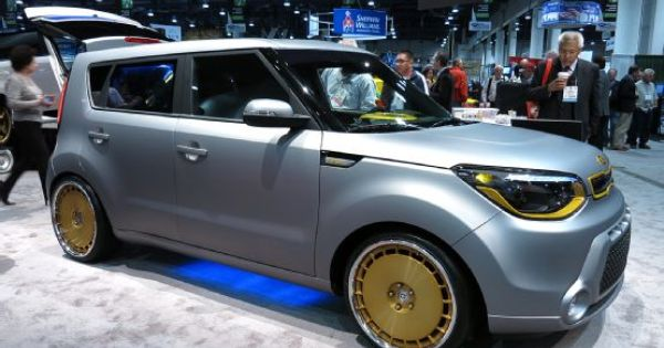 kia souls are groovy at 2013 sema show custom cars. Black Bedroom Furniture Sets. Home Design Ideas