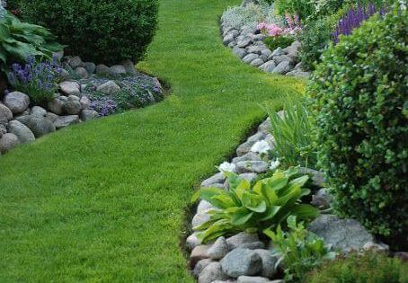 Check out this backyard landscaping idea and more great tips on Worthminer