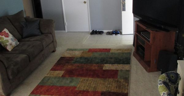 Sprucing up a boring living room with mohawk flooring for Mohawk flooring dealers