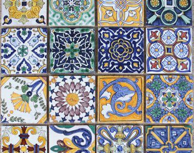 Tiles azulejo son famosos en espa a en muchos tipos de for Tipos de azulejos
