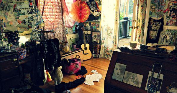 Beautiful Boho Bedroom Decorating Ideas And Photos: My Lovely Messy Homey Hippie Bedroom :)