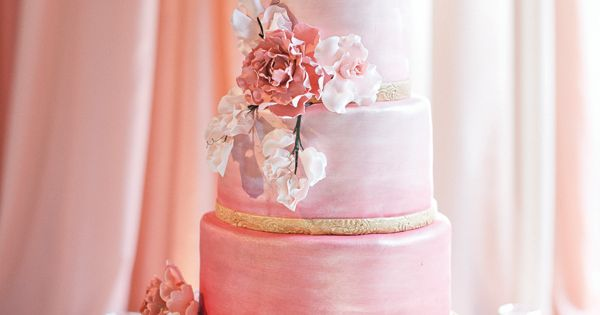 gorgeous pink ombre cake | Harwell Photography wedding