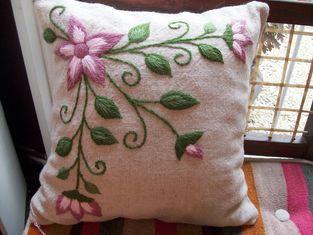 almohadones | Almohadas bordadas, Cojines bordados, Como