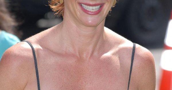 Lauren Holly. actriz de Serie de TV. La secretaria de Ford