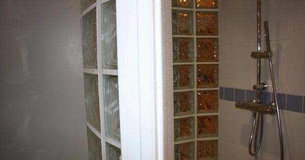 Une douche l 39 italienne avec une paroi en brique de verre - Pave de verre salle de bain ...