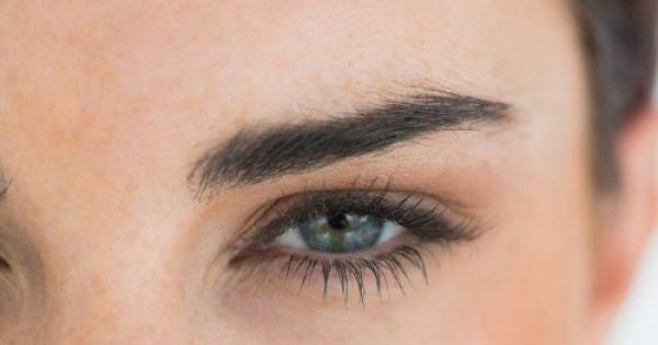نواة التمر وزيت الخروع لتقوية الرموش وتطويلها في خلال إسبوعين Eyebrow Shaping Natural Beauty Tips Straight Eyebrows