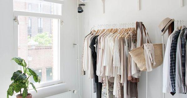minimalismus im kleiderschrank blattgr n fashion. Black Bedroom Furniture Sets. Home Design Ideas