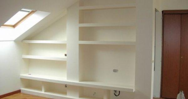 Un 39 altra possibilit quella di realizzare scaffali in cartongesso per creare una libreria su - Creare una parete in cartongesso ...