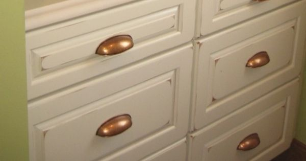 Kraftmaid Cabinet Knobs: Kraftmaid Vintage Biscotti Cabinets With Copper Knobs In