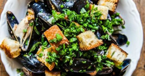 ... parmesan croutons beer steamed mussels with parmesan croutons recipes