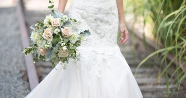 Flowers for the Bride - Weddings by Monday Morning Flowers beautiful bridal bouquet for a wedding in Lambertville NJ