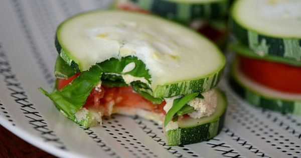 cucumber-tuna-tomato sandwich bites. yum AND healthy!