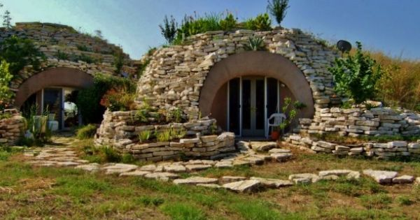 Monolithic dome houses robot ranch ferris texas this for Earth sheltered homes cost