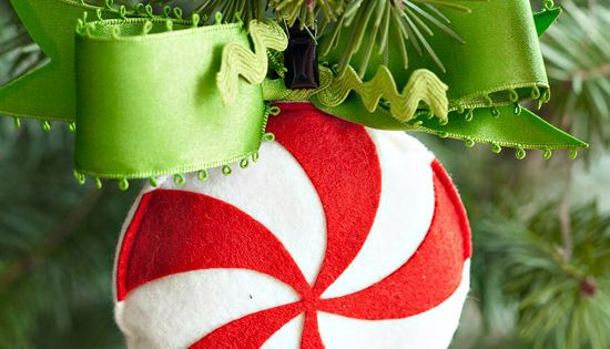 Create a Simple Peppermint Swirl Ornament One of many felt ornament designs