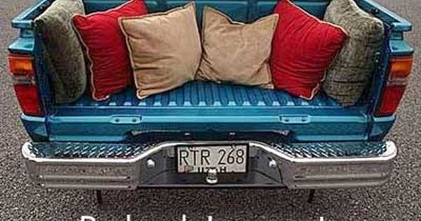 Redneck loveseat I need this for my front porch!!