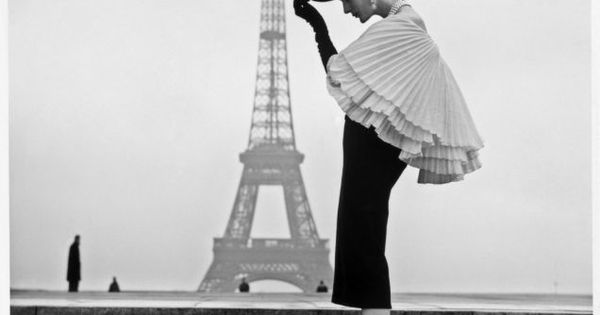 Walde Huth, Paris 1955 Paris. Designer: Jacques Fath Photographer: Walde Huthe 1955