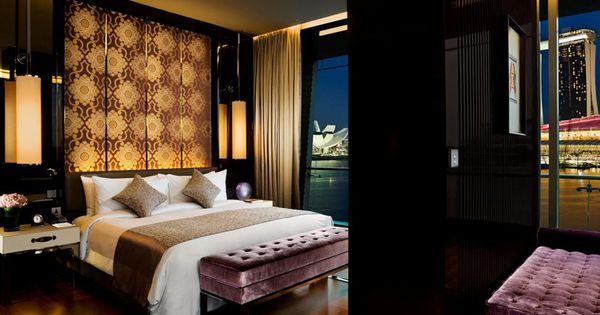 Luxury Suite Bedroom_The Fullerton Bay Hotel, Singapore by