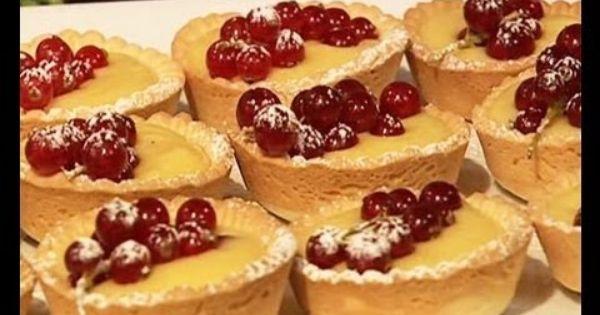 طريقة عمل تارت بالكاسترد من حلويات منال العالم Food Desserts Cheesecake