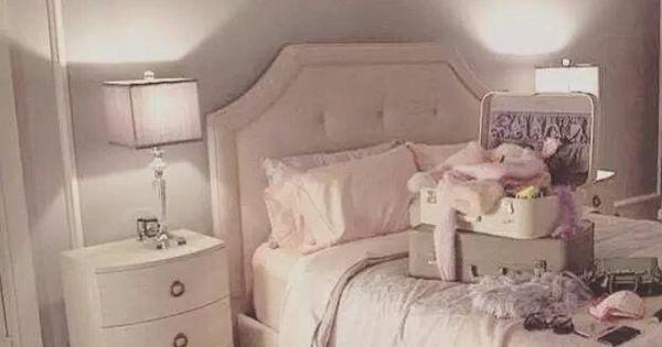 @anigrande Ariana's Room In Scream Queens