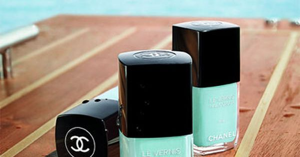 Chanel in Tiffany blue