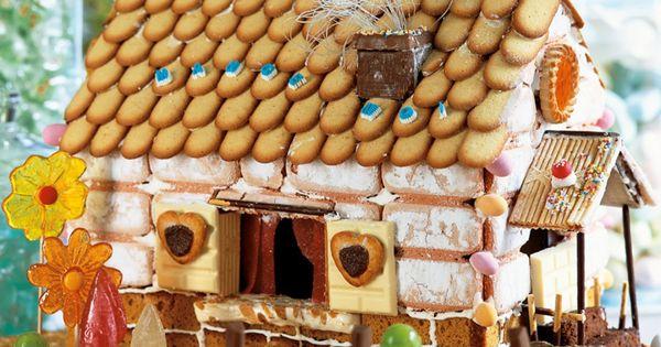 Une maisonnette en biscuits et bonbons pain d pices bonbon et biscuits - Maison en biscuit et bonbons ...