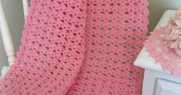 Shells Of Love Crochet Baby Blanket Pattern : Lacy Crochet: Lovely Shells Baby Blanket ~ free Pattern ...