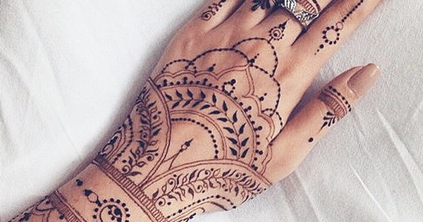 mehndi henna delicate black finger hand henna tattoo design henna pinterest hennas. Black Bedroom Furniture Sets. Home Design Ideas