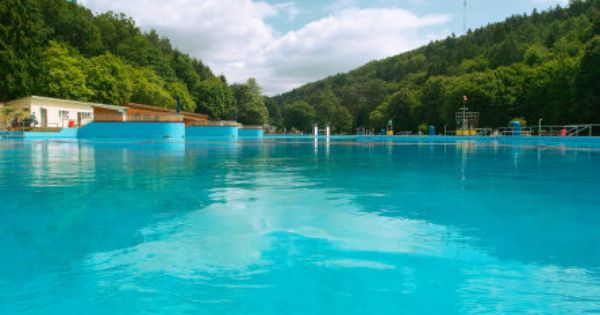 Swimming pool freibad waschm hle this swimming pool is for Biggest outdoor pool