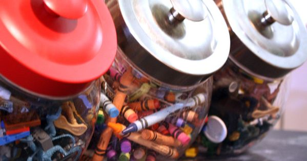 10 ideas for kids organization. Fun idea to use cookies jars for
