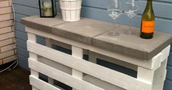 5 nuevas mesas hechas con viejos palets bar bares al - Manualidades hechas con palets ...