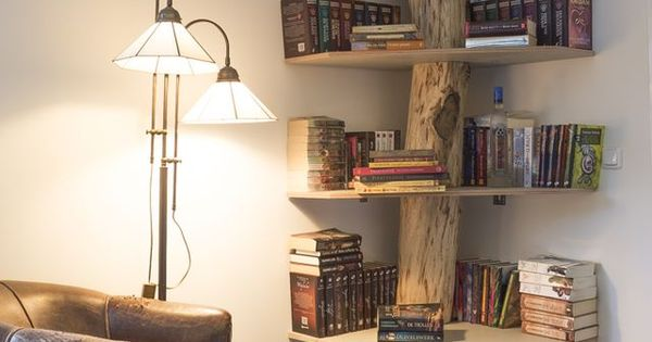 ein originelles b cherregal aus einem alten baumstamm pinteres. Black Bedroom Furniture Sets. Home Design Ideas