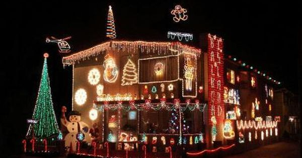 Best Holiday Lights Displays In Orange County Holiday Lights Display Holiday Lights Christmas Decorations For The Home