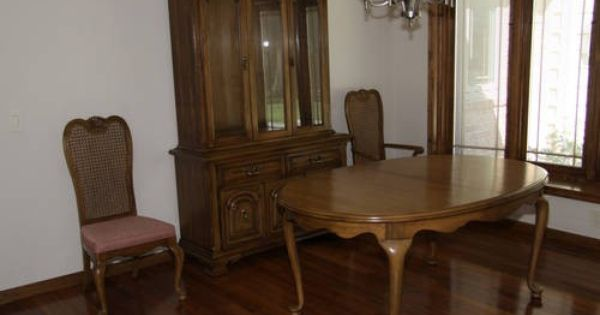 Thomasville pecan dining room set table 6 chairs hutch buffet furniture i wish where mine - Thomasville kitchen table ...