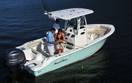Outboard center console boat sport fishing with t top for Best center console fishing boats