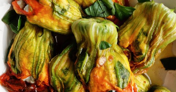 Kwiaty Cukinii Nadziewane Ricotta Summer Vegetable Recipes Vegetarian Dishes Vegetarian Recipes
