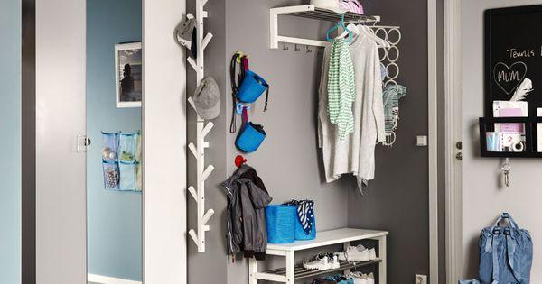 ein grau gestrichener flur u a mit pax kleiderschrank in. Black Bedroom Furniture Sets. Home Design Ideas