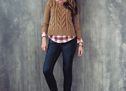 :: mixing a plaid shirt and a chunky cable knit sweater