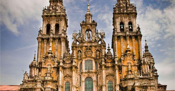 La Catedral de Santiago de Compostela, Galicia. La obra más sobresaliente del
