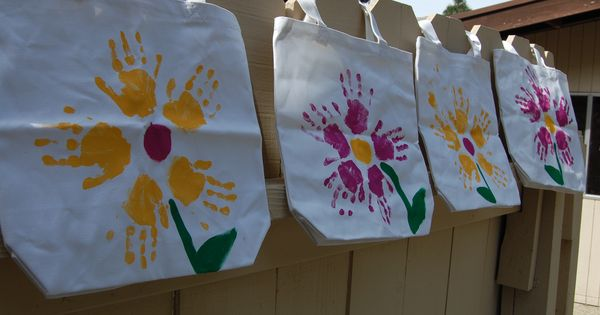 So Cute! Who doesn't love kids handprints and now you can take
