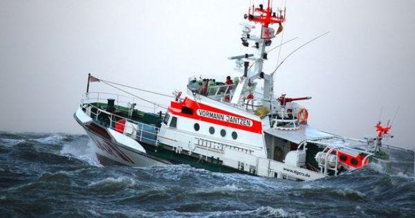 Kutter Sinkt Binnen Minuten Rc Schiff Schiff Kriegsmarine