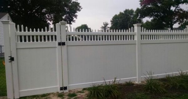 Shoreline Vinyl Fence Style Sussex A Privacy Fence With An Open Accent Top Made With 7 8 X 1