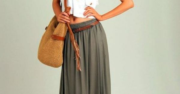 toets into long skirts right now!! super cute outfit