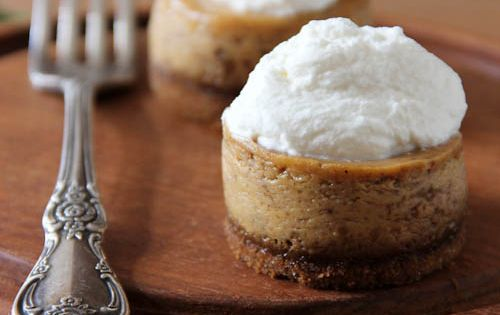 Mini Pumpkin Cheesecakes with Gingersnap Crust *perfect for turkey day!
