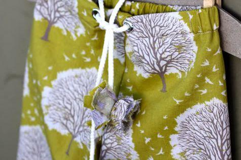 pajama pants tutorial Love the print.