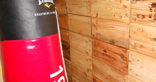 Ricopertura muro con legno riciclato da pallet (angolo palestra ...